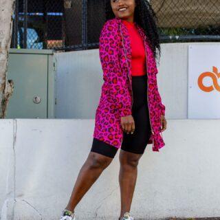Feel that? Yay! It's Friday 🤗  Wearing @littlepartydress   'AMAZONIA JUNGLE PINK JACKET'  . #littlepartydress #jacketstyle #fridayvibes #casualfridayoutfit #streetstyle #mycolourfulstyle #animalprint #colourfulfashion #weekendoutfit #fridayoutfit #brisbaneblogger #australianfashionblogger